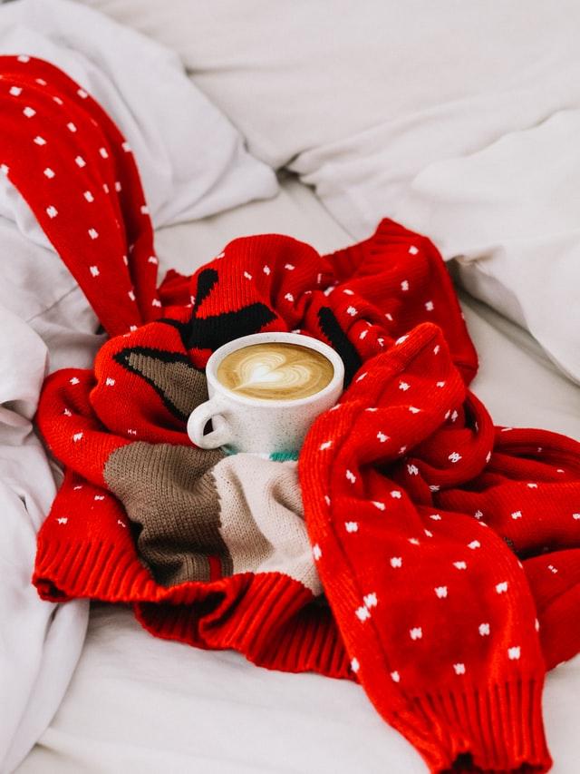 Find en billig julesweater og juletrøjer på nettet